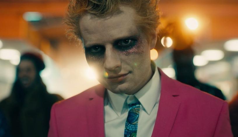 Ed Sheeran reaparece como vampiro en su nuevo tema «Bad Habits»