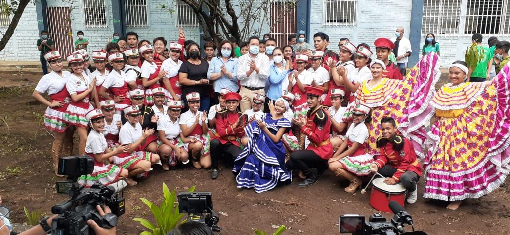Estudiantes participan en jornadas ecológicas y ambientales en Managua