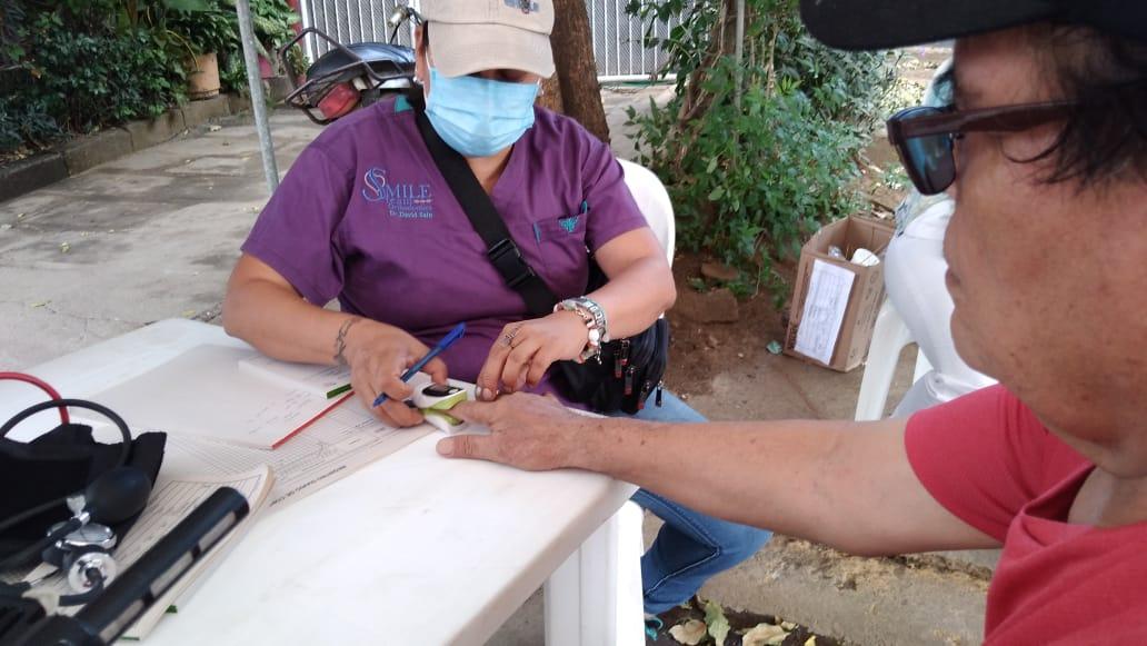 Habitantes del barrio Jonathan González reciben atención médica