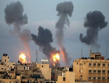 Israel continúa lanzando bombardeos aéreos sobre Gaza