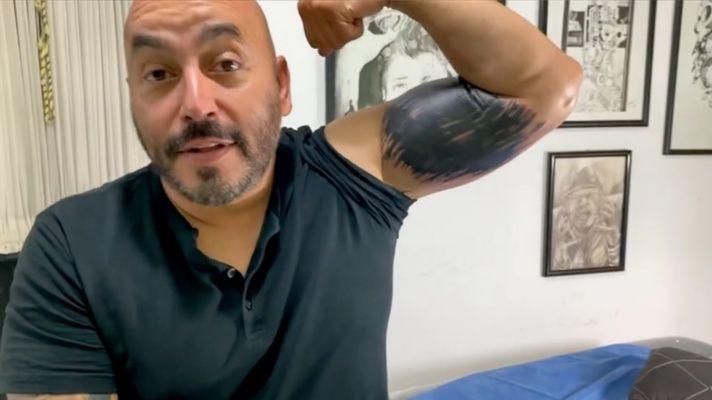 Lupillo Rivera muestra el resultado al borrar su tatuaje de Belinda