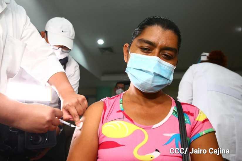 Nicaragua: vacunación contra la Covid-19 continúa en Managua y Masaya