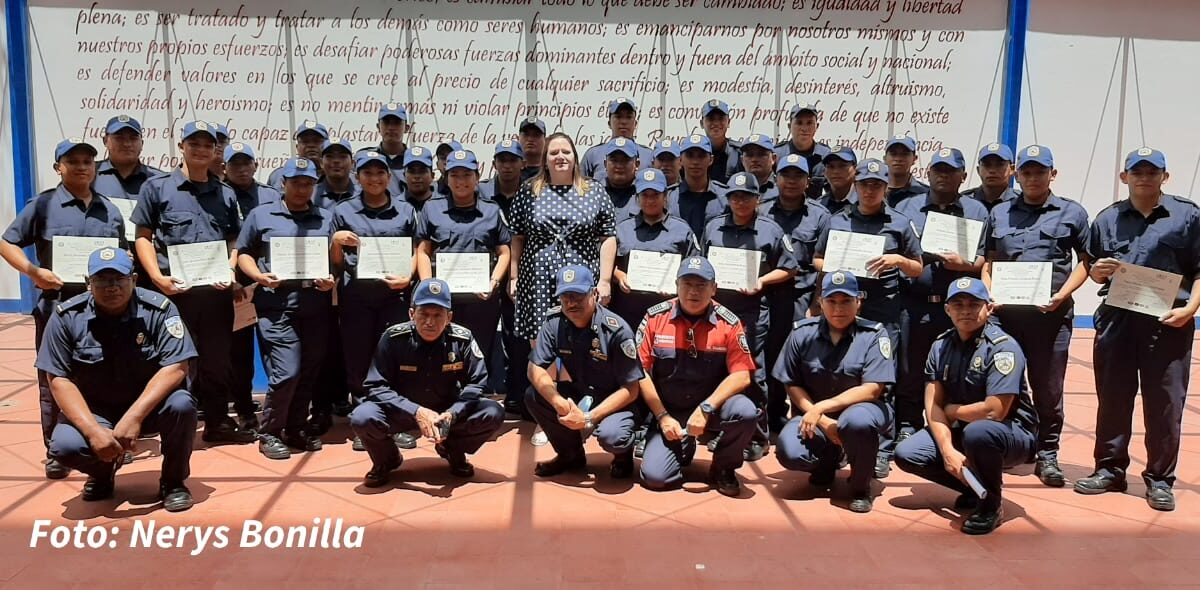 Nicaragua cuenta con 32 nuevos Bomberos Unificados
