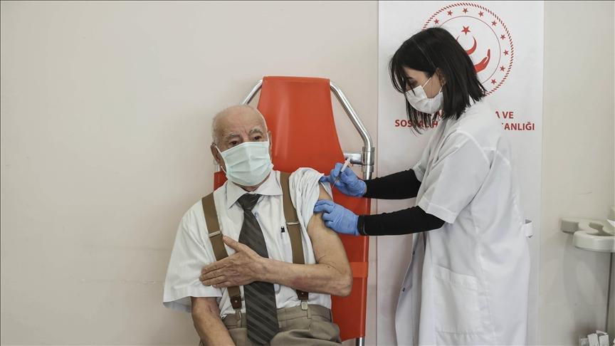 Vacunación contra la Covid-19 ha disminuido Contagios en Turquía