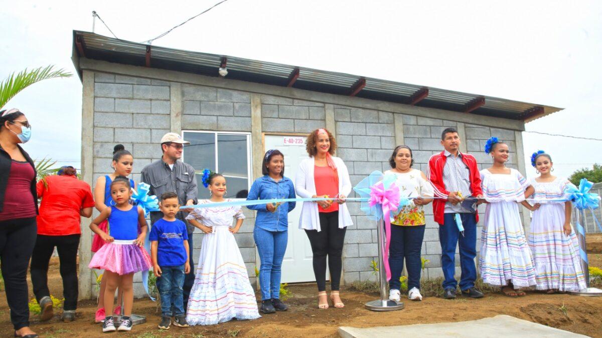 Más viviendas y lotes se entregarán a familias en diferentes municipios