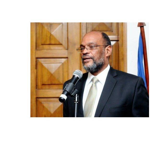 Ariel Henry es juramentado como primer ministro de Haití en medio de polémica