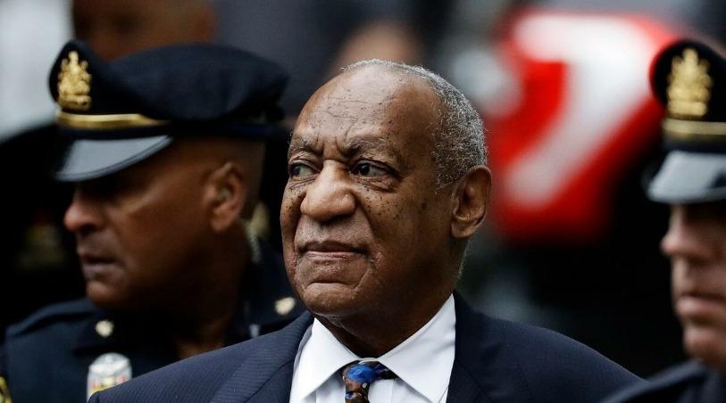 Bill Cosby es liberado luego de ser revocada su sentencia por violación