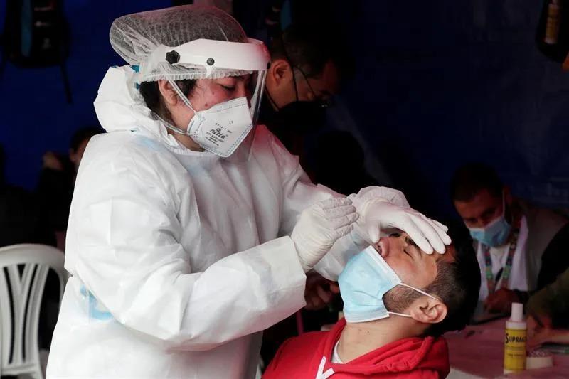 Covid-19: Colombia registra 26.721 de contagios y 553 muertes
