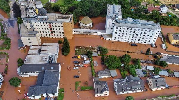 Aumentan los decesos en Alemania tras severas inundaciones