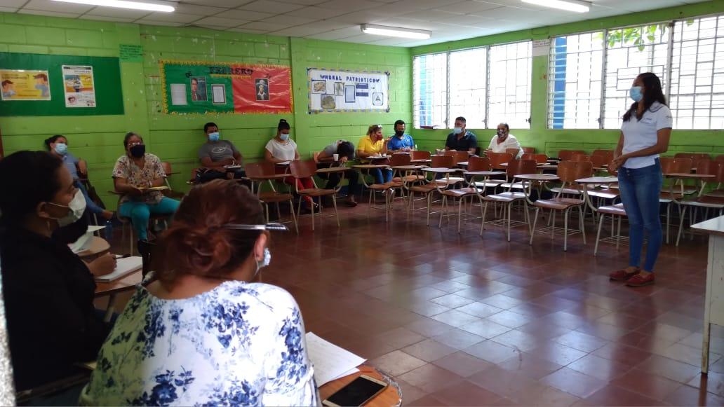 Docentes reciben capacitación para fortalecer conocimientos en Managua