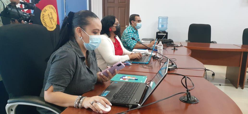 Docentes se capacitan en aprendizajes adaptativos y tecnología en Nicaragua