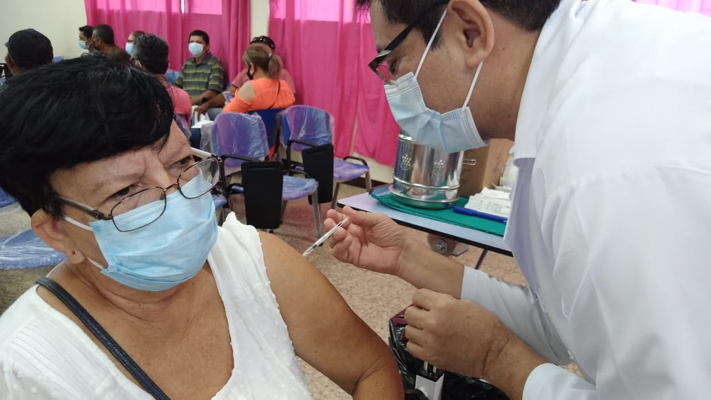 Efectividad de las vacunas contra la Covid-19 elevan confianza entre la población
