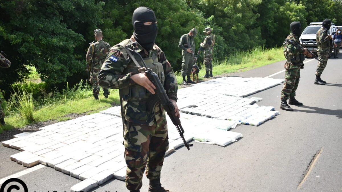 Ejército de Nicaragua incauta 489 tacos de Cocaína en Chinandega