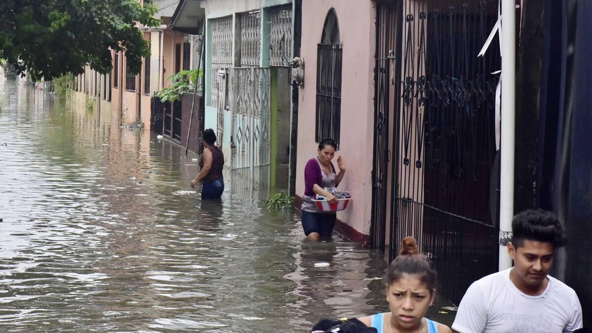Más de dos mil inundaciones dejan las fuertes lluvias en Costa Rica