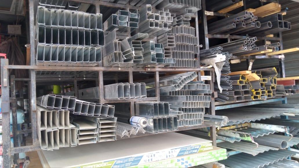 Materiales de construcción y herramientas con muy buenas ventas