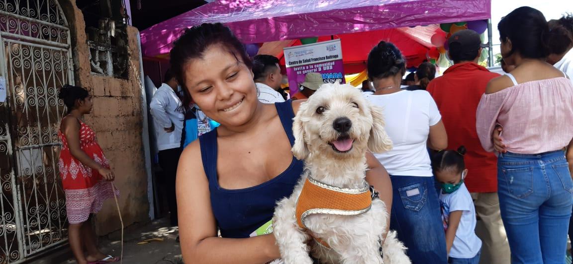 Nicaragua vacuna a más de un millón de perros en jornada antirrábica