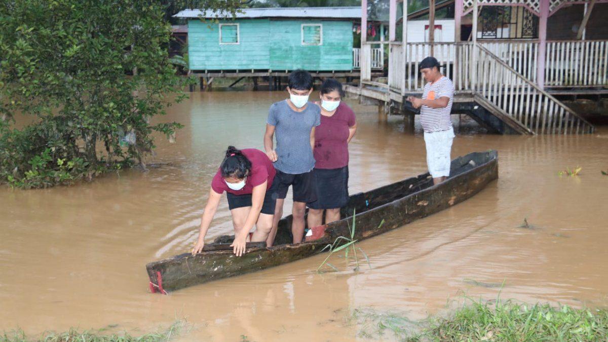 Al menos 27 mil personas afectadas por crecida de ríos en Panamá