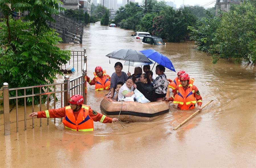 Miles de personas han sido evacuadas luego de varios días de lluvias en China