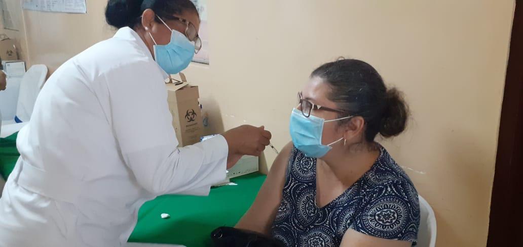 Pobladores de Jinotepe, Diriamba y San Marcos se inmunizan contra la Covid-19