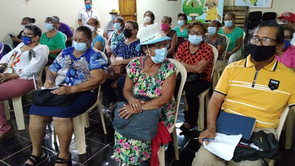 Adultos mayores conocen sobre las especies de Arboles Nativos en Managua