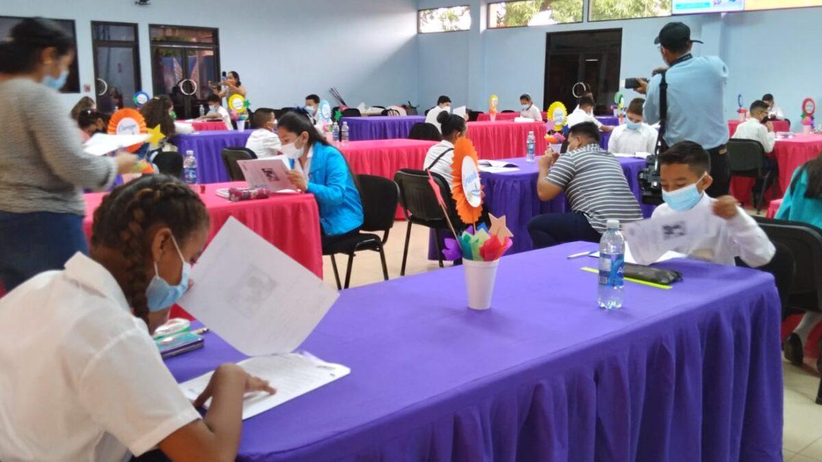 Estudiantes participan en Certamen Nacional del «Mejor Estudiante» de Nicaragua