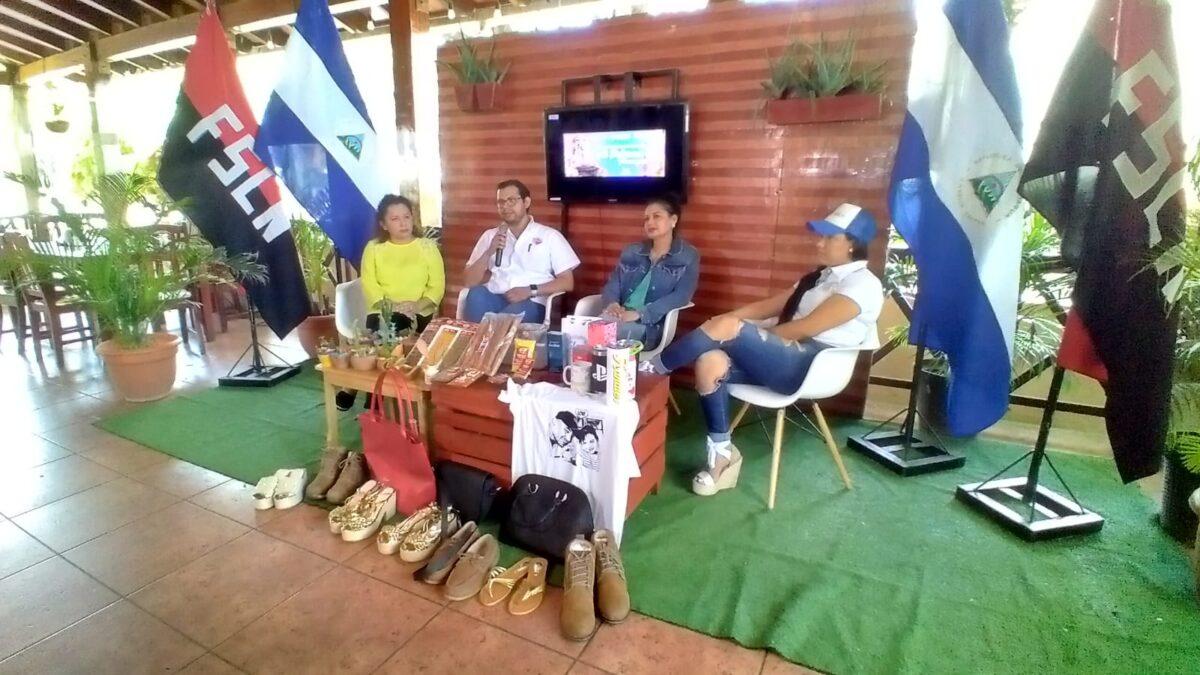 Emprendedores participan en feria dedicada a Santo Domingo de Guzmán