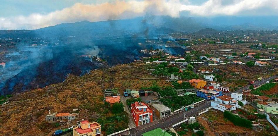 Erupción del volcán Cumbre Vieja ha calcinado casi 400 viviendas