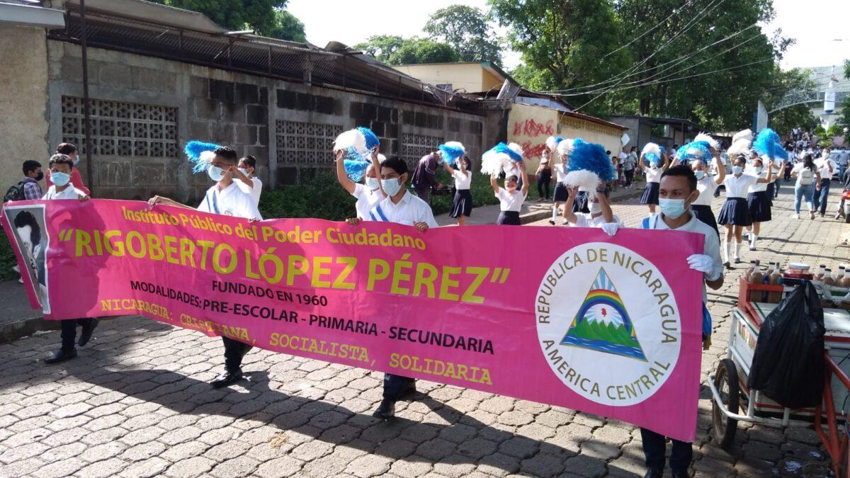 Estudiantes del colegio Rigoberto López Pérez participan en Desfile Patrio en Managua