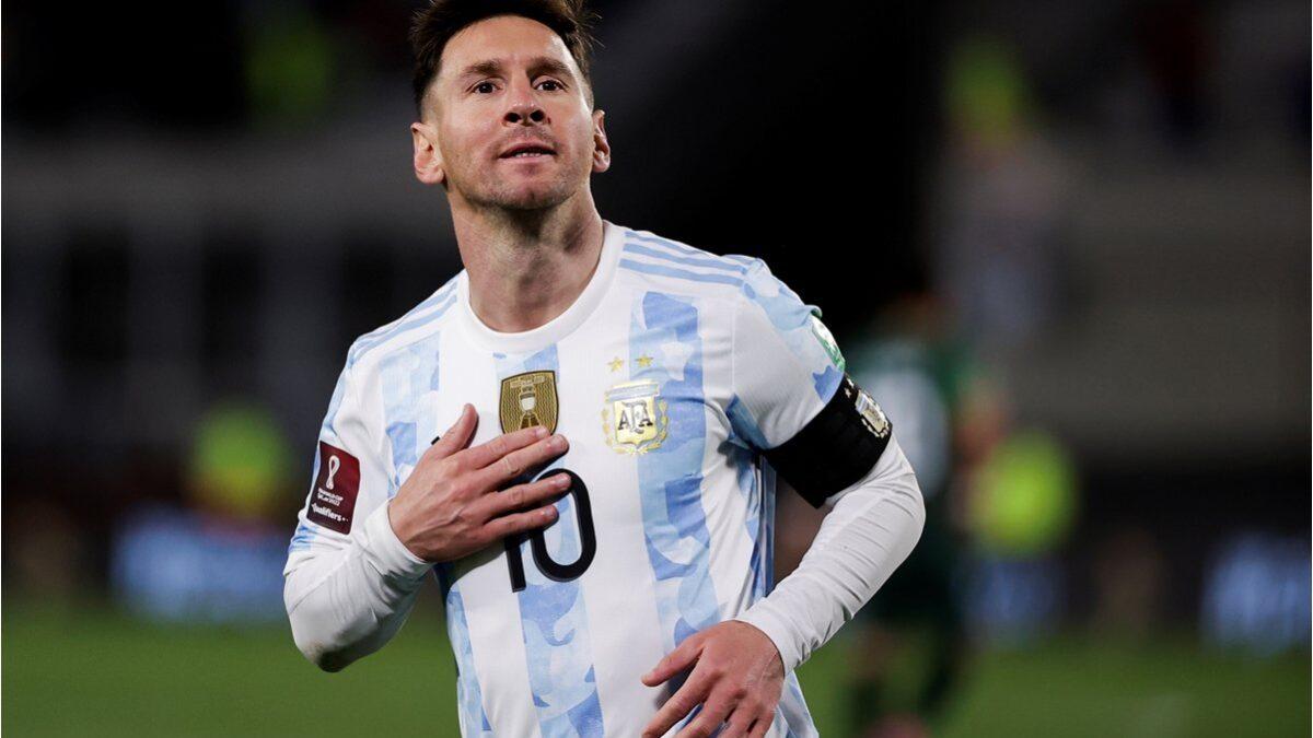 «Triplete» de Messi da la victoria a Argentina ante Bolivia en eliminatorias a la Copa del Mundo