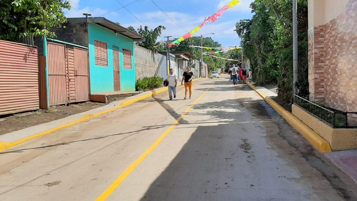 Pobladores del barrio Marcos Somarriba, estrenan tres cuadras de calle