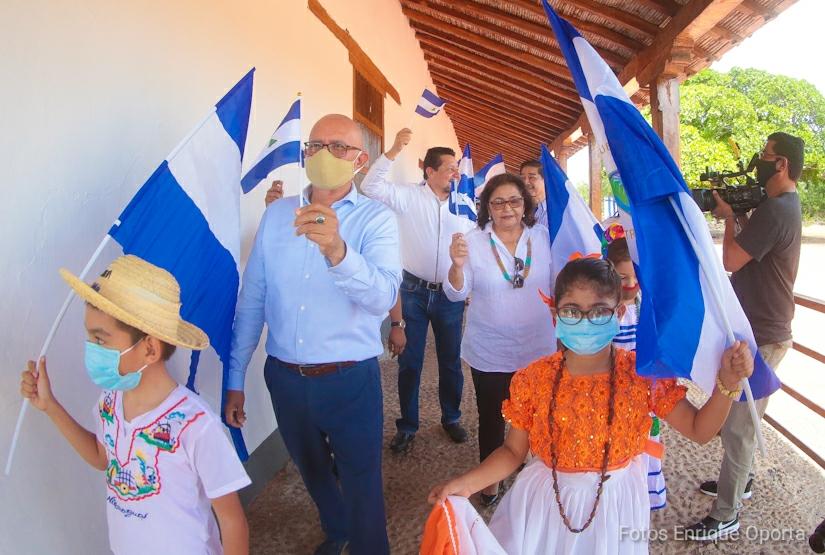 Colegios conmemoran el bicentenario de Centroamérica y la batalla de San Jacinto