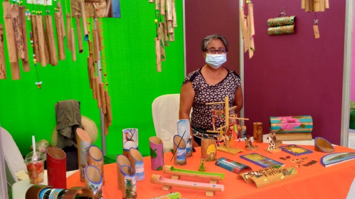Emprendedores con discapacidad participan de la III Expoferia Fuerza Bendita