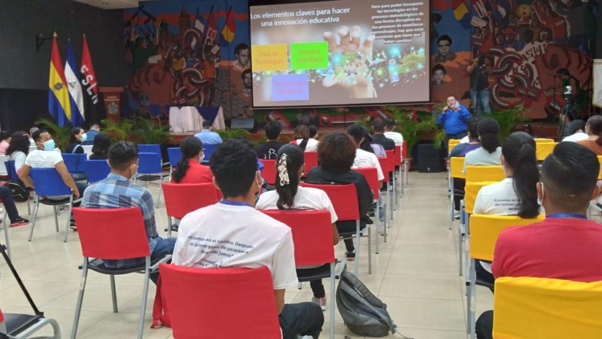Estudiantes de la UNAN-Managua participan del Primer Congreso Universitario