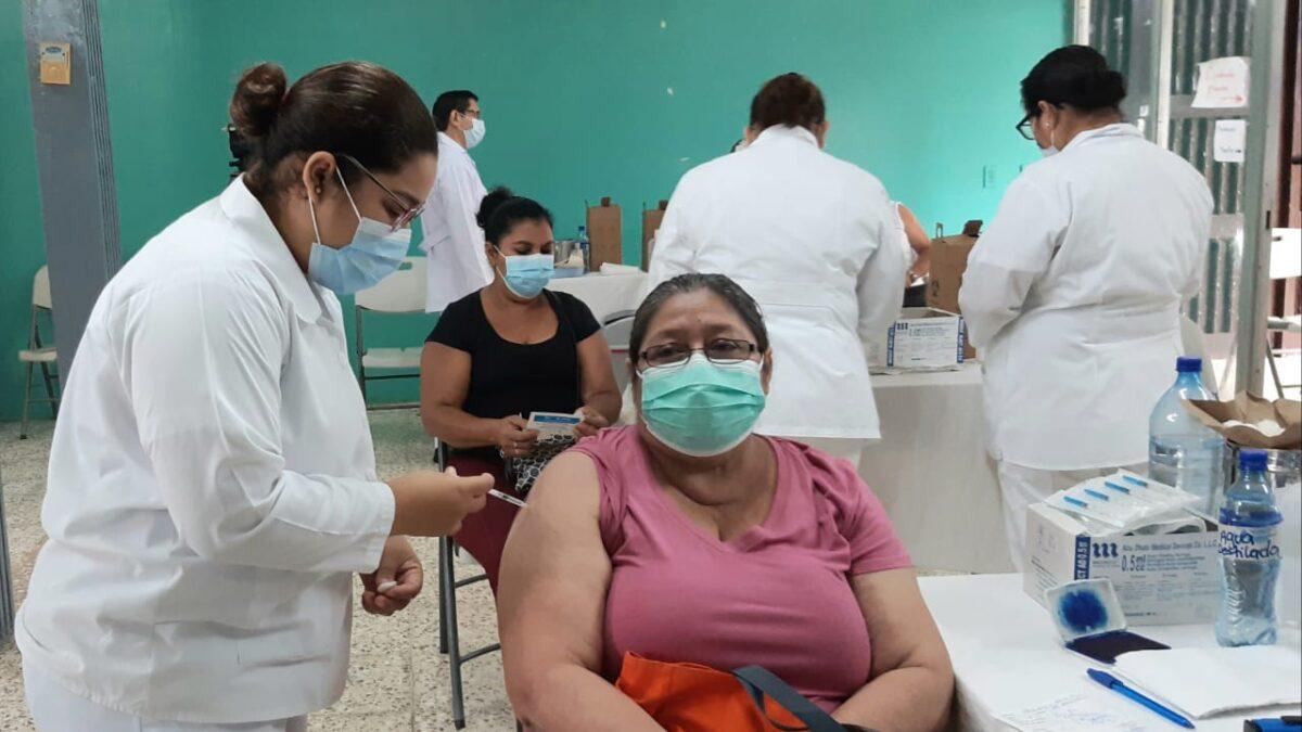 Nicaragüenses vacunados deben continuar previniendo la Covid-19