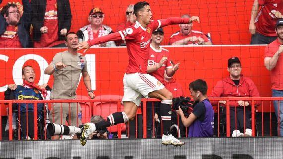 Cristiano Ronaldo anota dos goles en su regreso al Manchester United