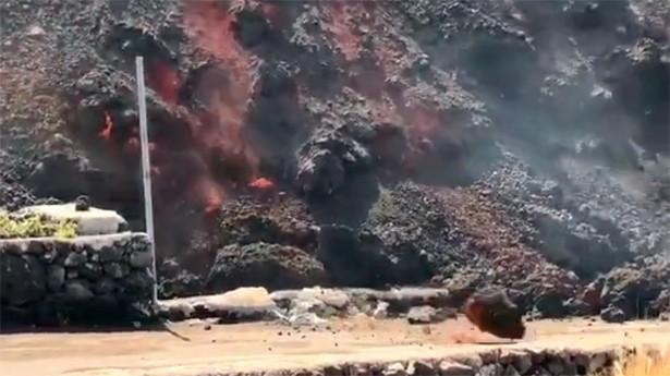 Volcán de Cumbre Vieja vuelve a expulsar lava hasta llegar al mar
