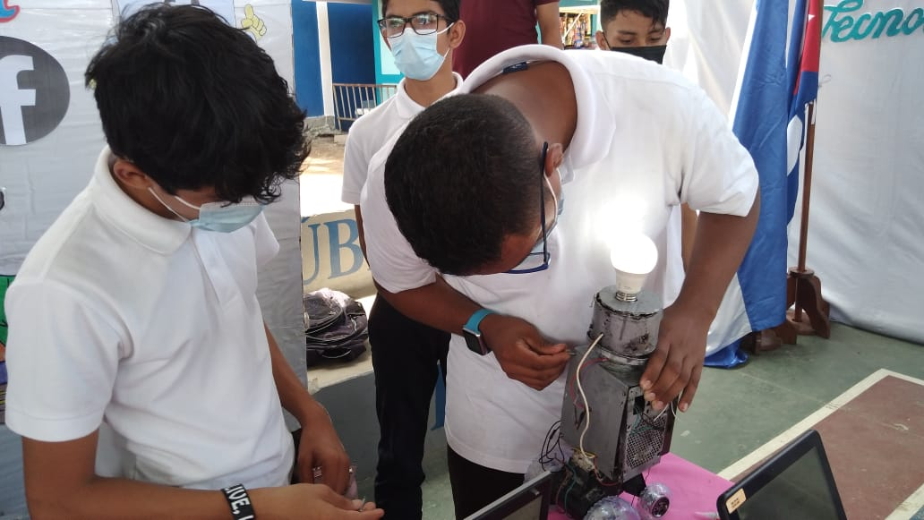 Colegio República de Cuba desarrolla Feria de Proyectos Pedagógicos