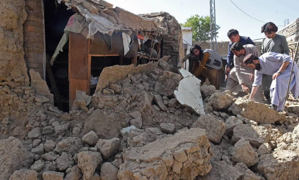 Al menos 20 muertos y varios heridos tras fuerte terremoto en Pakistán
