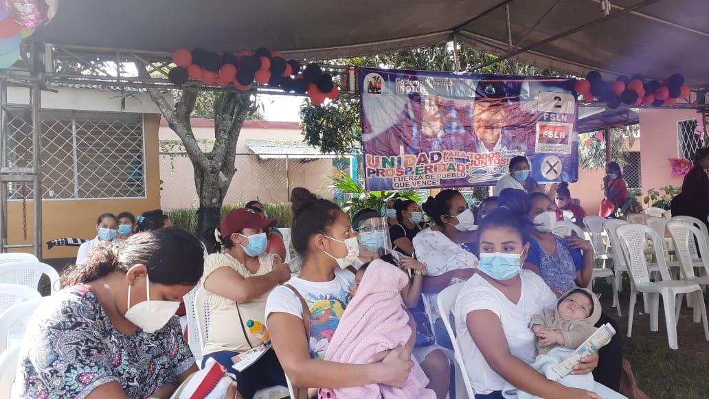 Mujeres embarazadas se vacunan contra la Covid-19 en Carazo