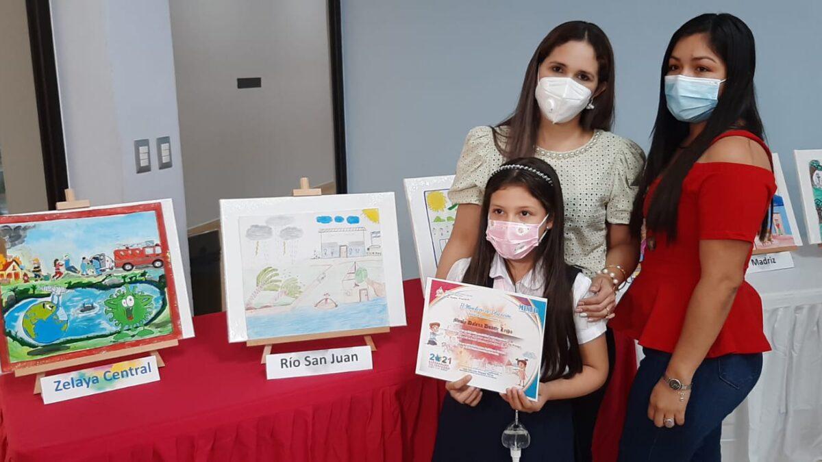 Premian a estudiantes con mejores dibujos sobre Gestión de Riesgo