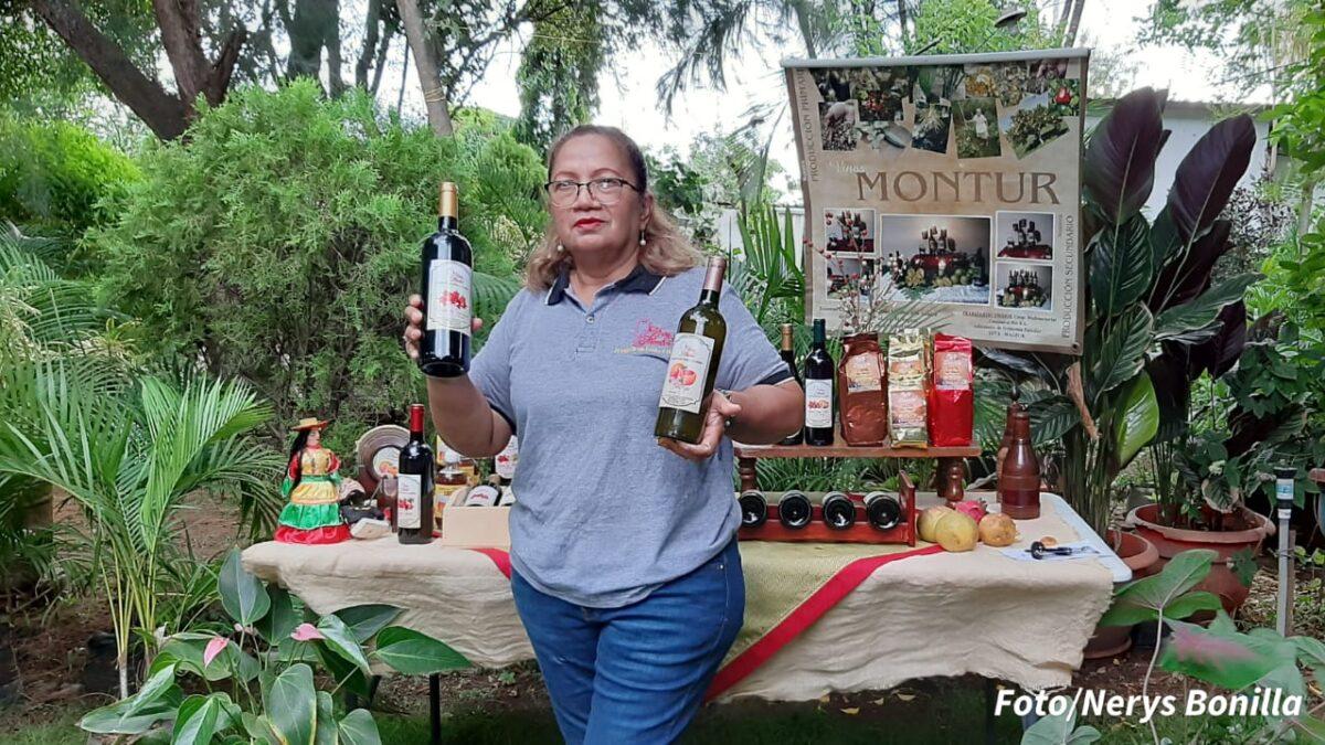 Vinos Montur, hechos a base de frutas y de manera artesanal